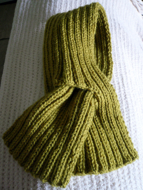 Art of Crochet: Ruffled Cloche & Keyhole Scarf Pattern