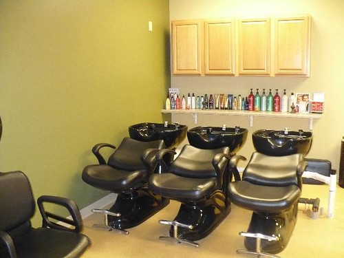Beauty Salon Interior Design: hair salon backwash area