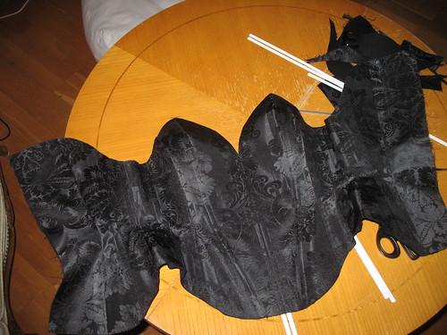 making a corset 31