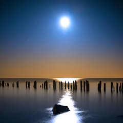 Twas the night before...(Explored) (Insight Imaging: John A Ryan Photography) Tags: longexposure toronto ontario canada water night lakeerie fullmoon pentaxk10d wwwinsightimagingca johnaryanphotography