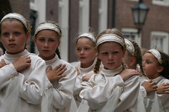 Innocent (Spinool) Tags: maria mary innocent procession bergenopzoom 2009 ommegang processie onschuld onschuldig