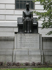 Mary Dyer statue