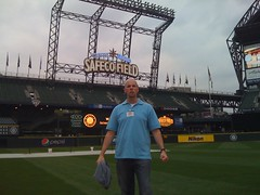 That's Right..... (R_M_Freeman) Tags: field safeco