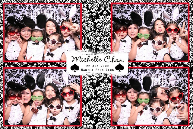 113869-custom-poof_middle by Poof Photobooth