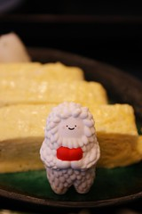 Baby Treeson (atsukoinn) Tags: food white smile toy egg vinyl tamago crazylabel babytreeson