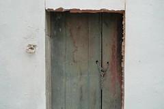 Open (Mi Mitrika) Tags: porta emparedada casaamordaçada
