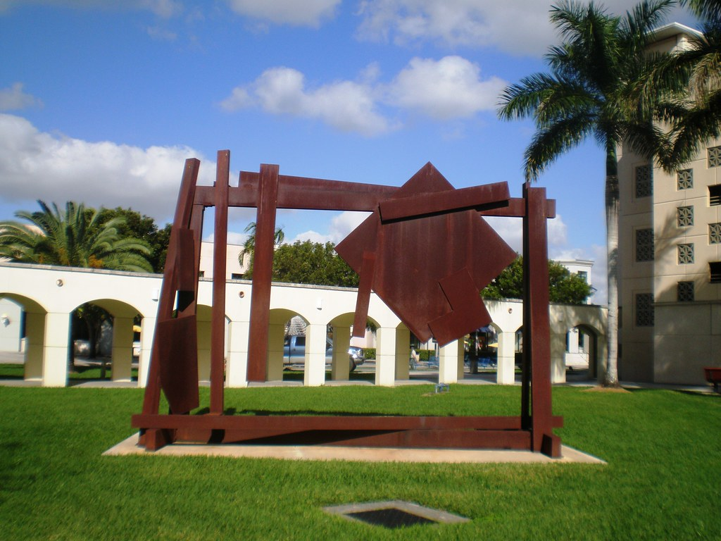 Joel Pearlman 'Big Diamond' 1982, Margulies Sculpture Park, Florida International University (FIU), Miami Florida