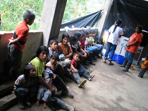 UNHCR News Story: UNHCR reaches 200 indigenous Colombians displaced by violence