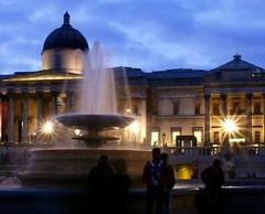 London - National Gallery London (@Doug88888) Tags: pictures camera travel blue light england sky building london history water fountain silhouette architecture canon square lens photography eos evening hall ancient long exposure gallery time dusk low trafalgar saturday images nighttime national popcorn buy late after hours dim pillars viewing musuem purchase notripod silky 400d