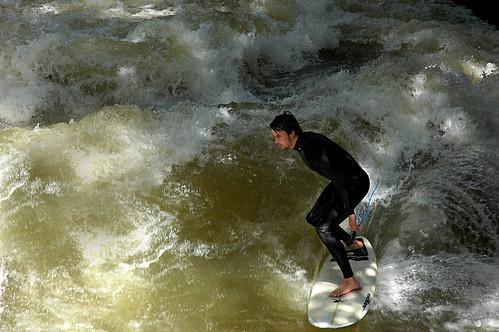 surfisti all'Englischer Garten, Monaco di Baviera