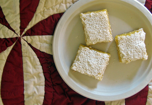 lemon bars on quilt