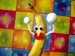 color colors fruit happy dance video interestingness interesting bestof dancing time banana cc creativecommons jelly popular peanutbutter peanutbutterjellytime bananadance consumerist sensation thisisnow dancingbanana utube frankieleon itspeanutbutterandjellytime