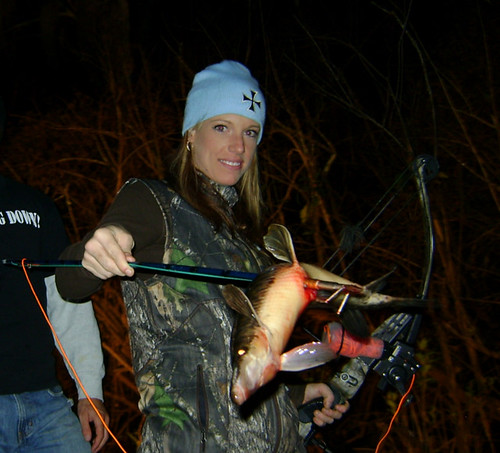 Bowfishing Girls Gar. by florida bowfishing
