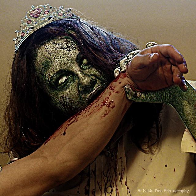 104/365 - Zombie Prom Queen