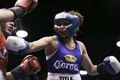 city girls chicago sports blood ring indoors boxing fighting sporting 2009 guts ringside amateurboxing battles fights april16 womenfighting goldengloves chickfights girlfights chicagogoldengloves organizedfights