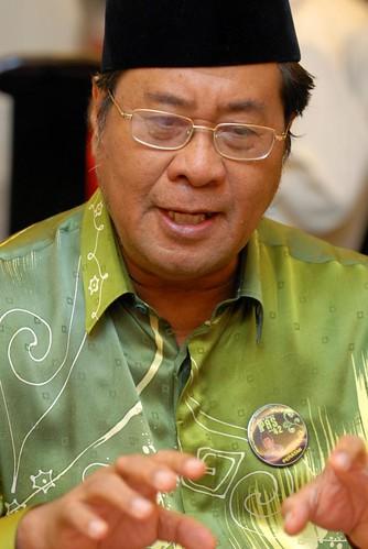 YAB Tan Sri Dato' Abd Khalid Ibrahim by zat_asyraff.
