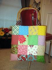 XXL Tote Bag (aaaandreaaaa) Tags: bag nest patchwork xxl flutterby totebag tulapink 30sand40svintagereproductionfabric heatherbaileypeonies aaaandreaaaa