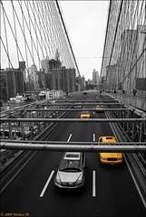 Yellow cab - NY (Monica M. ®) Tags: nyc bridge usa newyork brooklyn america nikon unitedstates manhattan cab taxi yellowcab ponte urbanjungle bigapple brooklinbridge statiuniti d80 mywinners limagecolor cronacheurbane monicamongelli febbraio2011challengewinnercontest