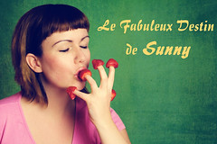 Le Fabuleux Destin de Sunny (Pink Pixel Photography (f.k.a. Sunny)) Tags: selfportrait strawberries canonef50mmf18 selbstportrait amlie diefabelhafteweltderamlie canoneos400d hppt happyprettypinktuesday yay4franzsisch ahhhhhparismontmartreichmussdawiederhinjedesmalwennichdenfilmsehewirddasfernwehnochschlimmer thisweeksthememoviestar lefabuleuxdestindeamlie montmartreiseinfachnurgenial whichmanwouldnotliketoswapplaceswiththosestrawberries
