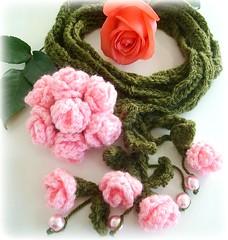 Rosa Menina (Lidia Luz) Tags: flower rose scarf handmade crochet flor rosa lariat cordo cachecol croch lidialuz