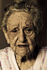 Bubbe. 97 next week (alan shapiro photography) Tags: old nyc grandma portrait canon grandmother character greatgrandma 2009 97 bubbe alanshapiro  ashapiro515 memorycornerportraits canonrebelt1i 2010alanshapiro alanshapirophotography wwwalanwshapiroblogspotcom 2010alanshapirophotography