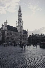 grand-place (motocchio) Tags: summer people grandplace pigeon bruxelles 2009