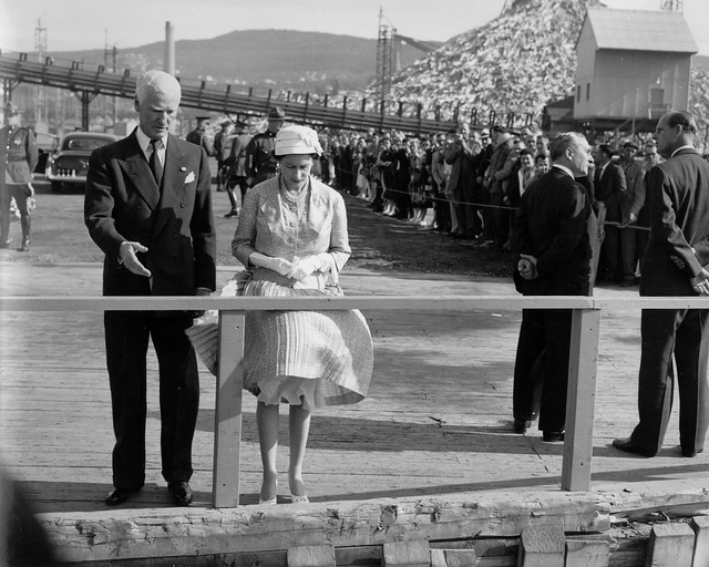 Queen Elizabeth and admirers in Corner Brook