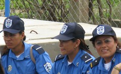 Descanso (Kroons Kollektion) Tags: female america women uniform sweden centro central police latin nicaragua sida inauguracin chontales aminta granera inaugration asdi acoyapa kroonskollektion annkroon