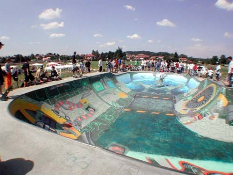 3298458496 51482a01a3 o 10 Arena Skateboard Yang Super Keren