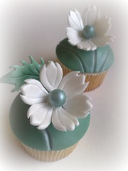 Fantasy Flower on Jade (SmallThingsIced) Tags: green leaf cupcake jade fondant buttercream fantasyflower