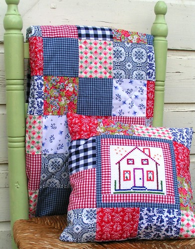 Dutch house pillow with quilt