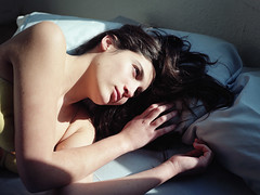 (Ana Cuba) Tags: morning light shadow portrait bed natural bedtime maría v700 mamiyam645 bububob