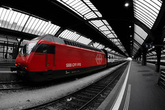 SBB (Toni_V) Tags: red station schweiz switzerland europe zurich perspective sbb hauptbahnhof re 2009 mainstation 460 d300 lesdiablerets flickrsbest toniv reflectyourworld