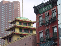 NYC - Chinatown, where east meets west (Guenther Lutz) Tags: 2001 nyc newyorkcity usa chinatown manhattan sony may cybershot impact northamerica newyorkstate