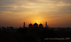 Sunrise @ Derawar Fort (Max Loxton) Tags: pakistan sky colors beauty sunrise canon fort culture ppg masjid cholistan derawar yasirnisar towardspakistan maxloxton