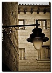 Farol. (Aitor PhoTo) Tags: sunset espaa sepia atardecer town spain pueblo ciudad ventanas farol guipuzcoa virado gipuzkoa ornamento orio alumbrado vieteado