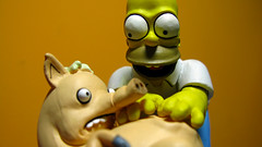 Spiderpig y Homero 0664 (MOiSTER) Tags: wallpaper closeup widescreen homer thesimpsons fondodeescritorio spiderpig puercoaraa