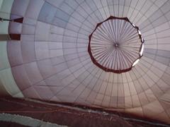P4050273 (mariobiemans) Tags: ballon april 2009 varen