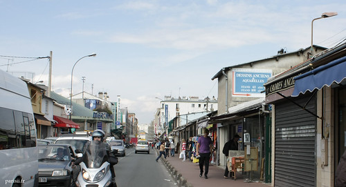 Sur cette rue, on voit dun seul coup doeil lentrée de trois marchés : le marché Malassis, le marché Vernaison et le marché Dauphine