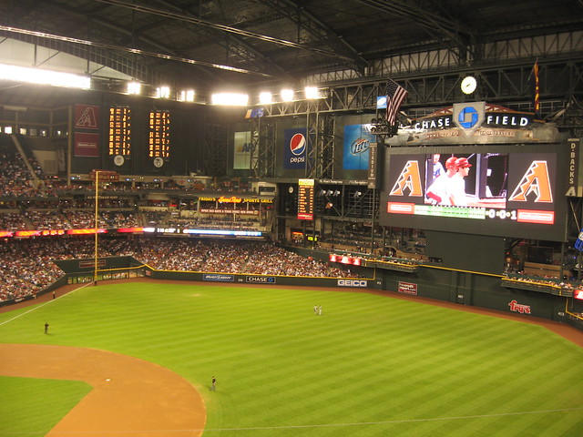 Arizona Diamondbacks 9, Los Angeles Dodgers 4, Chase Field, Phoenix, Arizona (29)