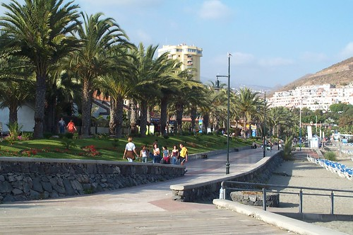 3470199208 d9ff2ed079 - Looking Online For Cheap Holidays In Tenerife
