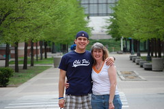 Mom and Andy (Johnny Heger) Tags: college campus illinois spring universityofillinois urbana champaign uofi chipsi