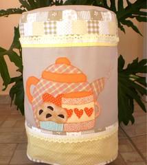 capa para galo 20 l (ROTA da Arte) Tags: artesanato fuxico enfeites patchwork decorao cozinha bichinhos tecido bordado patchcolagem capaparagalodegua capaparagarrafatrmica bandparacortina