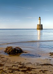 Rattray Head Lighthouse, near Crimond, Aberdeenshire (w11buc) Tags: sea lighthouse beach scotland aberdeenshire postcard olympus shore e3 fraserburgh grampian rattrayhead rattray crimond 5photosaday greatscot zd1260mm