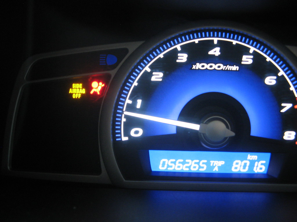 honda civic airbag light on