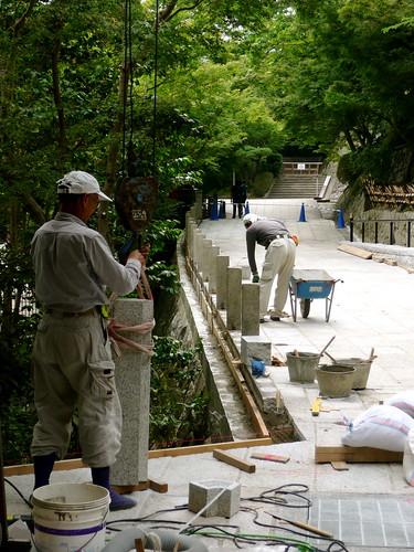 Workers placing new pillars, Kiyomizu Dera, Kyoto
