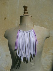 franges blanches violettes face (Minuit12) Tags: scarf collier necklace paint recycled tshirt cotton jersey dye recycling fringes charpe recyclage trashion