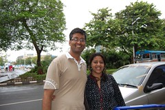 Heading off to leave Deepa at the airport (Ritesh Kapur) Tags: me july neha mumbai deepa 2009 ipsita bandraworlisealink sherepunjab breakfastincar july262009