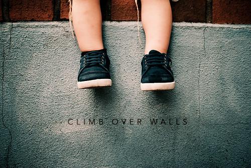 climb over walls motivation photo