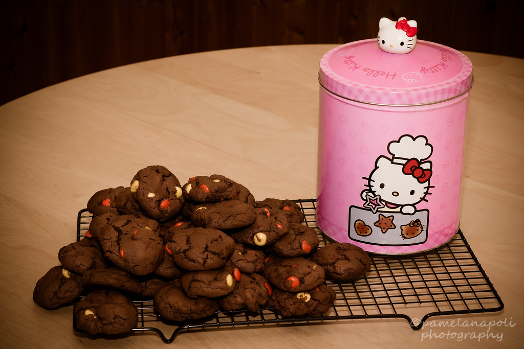 Hello Kitty Cookie Can